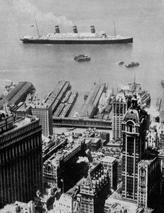 Steamship on the Hudson River, 1923