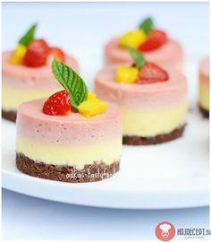 chute a vône mojej kuchyne. Russian Pastries, Sour Cream Sauce, Cheesecake Cake, Mini Cheesecakes, Russian Recipes, Seafood Dishes, Mini Cakes, Tasty Dishes, High Tea