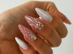 Gorgeous Wedding Nails Ideas For You A wedding day is the most important day in the life. In addition to your wedding dress and hairstyle, also wedding nails are. Fancy Nails, Bling Nails, Love Nails, Trendy Nails, My Nails, Winter Nails, Summer Nails, Winter Nail Art, Bridal Nail Art