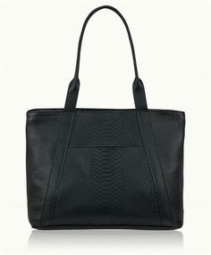 Charlotte Tote SCOUTED at Arco Avenue in Ridgeland, MS. Click to shop!