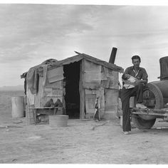 Migratory Mexican field worker's home in Imperial Valley, California. Photographed by Dorothea Lange, (Credit: Universal History Archive/UIG via Getty Images) Dust Bowl, Aragon, Belle Epoque, Old Pictures, Old Photos, Time Pictures, Rare Photos, Pretty Pictures, Vintage Photographs
