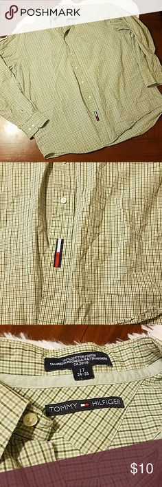 Tommy Hilfiger button down collared shirt In GUC Tommy Hilfiger button down collared shirt Tommy Hilfiger Shirts