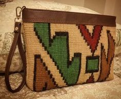 Hand woven rug bag for orders please dm please - Woman Fashion Online Crochet Clutch Pattern, Tapestry Crochet Patterns, Crochet Pouch, Crochet Purses, Tapestry Bag, Tapestry Weaving, Inkle Weaving, Hand Weaving, Basic Embroidery Stitches