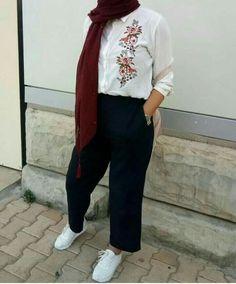 ▪PINTEREST: Aya MB• Hijab Fashion Summer, Modern Hijab Fashion, Street Hijab Fashion, Muslim Fashion, Modest Fashion, Fashion Outfits, Casual Hijab Outfit, Hijab Chic, Casual Outfits