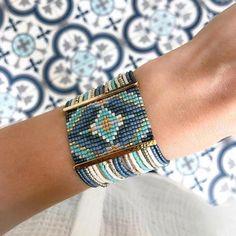 off loom beading techniques Loom Bracelet Patterns, Bead Loom Bracelets, Bead Loom Patterns, Jewelry Patterns, Beading Patterns, Beading Ideas, Silver Bracelets, Seed Bead Jewelry, Bead Jewellery