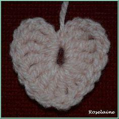 un tuto pour un petit coeur au crochet Crochet Motifs, Creations, Cross Stitch, Lily, Deco, Knitting, Saint Charles, Couture, Amigurumi