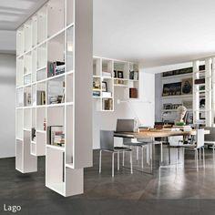 """Der Parkettboden """"Slide"""" des Designers Daniele Lago verwandelt den gesamten Raum durch schlichte Eleganz und trapezartige Formen in einen Hingucker. In…"""