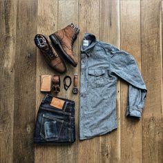 Outfit Grid, Style Brut, Pantalon Slim Fit, Denim Look, La Mode Masculine, Adventure Style, Gq Style, Mens Attire, Mens Style Guide