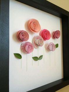 Vamos aprender a fazer essa florde papel, simples e charmosa. Uma bela ideia pra enfeitar qualquer cantinho, em arranjos, quadros, num presente, etc . Materiais : Papéis coloridos, quanto mais gro…