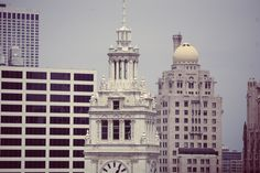 Free Image on Pixabay - Wrigley Building, Chicago Canon Eos, Free Pictures, Free Images, Photo Café, 48 Laws Of Power, Puzzle Of The Day, Chicago Skyline, Book Summaries, Architecture