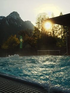 This year, Mum had a very special birthday present for me: a spa-weekend at Die Wasnerin, a four-star superior wellness hotel in picturesque Salzkammergut. Weekender, Spa Weekend, Wellness, Bad, Austria, Water, Travel, Outdoor, Travel Souvenirs