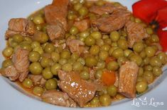 Green peas and meat Cooked Chicken Recipes, How To Cook Chicken, Meat Recipes, Cooking Recipes, Romanian Food, Food Hacks, Sausage, Side Dishes, Food And Drink