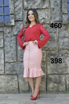 Conjunto Blusa + saia NF460398 - NerisBella Moda Evangélica Pink Outfits, Fashion Outfits, Fashion Moda, Womens Fashion, Pencil Skirt Work, American Eagle Outfits, Dress And Heels, African Fashion, Style Guides