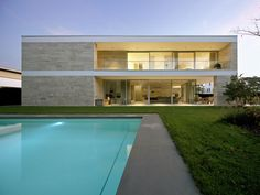 Glass walled modern home Residential Architecture, Contemporary Architecture, Architecture Design, Dream House Plans, Small House Plans, Bauhaus, Jamaica House, Stone Houses, Facade House