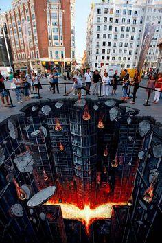 Arte urbano promocional de The Dark Knight Rises  Excelente pieza obra promocional de la esperada cinta.    Leer más: http://www.colectivobicicleta.com/2012/07/arte-urbano-de-dark-knight-rises.html#ixzz21sP4Y8Xb
