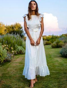 Cet été, on use et abuse des longues robes blanches ! (robe Majorelle)