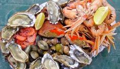 Τραπέζι Καθαράς Δευτέρας με Ποικιλία Γεύσεων. Παραδοσιακές & Νηστίσιμες Συνταγές   womanoclock.gr Shrimp, Meat, Chicken, Food, Essen, Meals, Yemek, Eten, Cubs