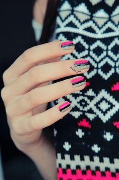 Neon-pink-nail-art