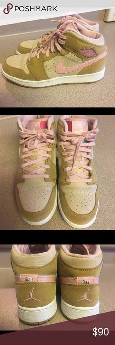 EUC NIKE AIR JORDAN 1 HARE YOUTH 5.5 WOMENS 7 PRE-OWNED NIKE AIR JORDAN 1 I HARE YOUTH 5.5 WOMENS 7 CHICAGO ROYAL BRED LOLA 3 5.5 Nike Shoes Sneakers