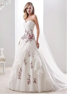 Glamorous Organza Sweetheart Neckline A-line Wedding Dresses With Lace Appliques. Glamorous Organza Sweetheart Neckline A-line Wedding Dresses With Lace Appliques. Wedding Dress Organza, Applique Wedding Dress, Colored Wedding Dresses, Bridal Dresses, Bridesmaid Dresses, Wedding Dress Trends, Dream Wedding Dresses, Wedding Attire, Wedding Gowns