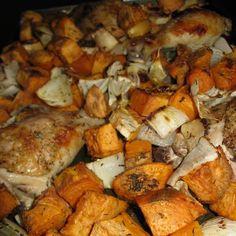 Egy finom Édesburgonyás-hagymás sült csirkecomb ebédre vagy vacsorára? Édesburgonyás-hagymás sült csirkecomb Receptek a Mindmegette.hu Recept gyűjteményében! Olive Garden Pasta Fagioli, Hot Roast Beef Sandwiches, Bagel Bar, Cinnamon Roll Monkey Bread, Slow Cooker Bread, Diet Recipes, Healthy Recipes, Good Food, Yummy Food
