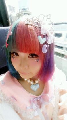 RT @_negitas_:髪色変えました報告ぴっぴ #派手髪協会 http://flip.it/mmuRm