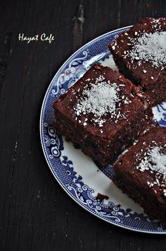 hindista-cevizli-kakaolu-kek Pudding Cake, Tart, Muffins, Rolls, Favorite Recipes, Desserts, Food, Tulip, Cupcake