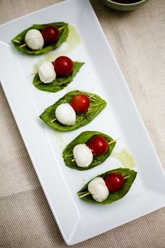 caprese skewers, shrim cocktail, spinach artichoke crostinis, no cook appetizers Caprese Appetizer, Caprese Skewers, No Cook Appetizers, Holiday Appetizers, Appetizer Dips, Appetizer Recipes, Caprese Salad, Xmas Food, Cooking Recipes