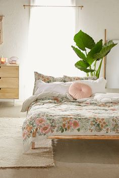 Lovise Floral Jersey Duvet Cover | Urban Outfitters