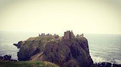 Castles of Scotland !  #scotland #uk #castle #hill #sea #roadtrip #car #trip #wanderlust #instapic #picoftheday by b.dac