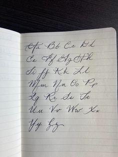 Handwriting Alphabet, Hand Lettering Alphabet, Calligraphy Handwriting, Penmanship, Handwriting Examples, Handwriting Styles, Beautiful Handwriting, How To Write Calligraphy, Lettering Tutorial