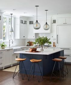 There is no question that designing a new kitchen layout for a large kitchen is much easier than for a small kitchen. A large kitchen provides a designer with adequate space to incorporate many convenient kitchen accessories such as wall ovens, raised. Home Decor Kitchen, Diy Kitchen, Kitchen Interior, Kitchen Counters, Kitchen Hacks, Awesome Kitchen, Kitchen Islands, Blue Kitchen Ideas, L Shaped Kitchen Cabinets