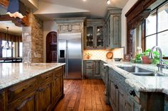 Kitchen Island and Cabinets 9115-01, 9115-02 Seade Photo by Tom Coplen