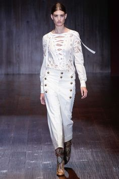 See the complete Gucci Spring 2015 Ready-to-Wear collection.