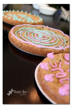 Sugar Bee Crafts: sewing, recipes, crafts, photo tips, and more! How To Make Cookies, How To Make Cake, Pan Cookies, Cookie Cakes, Cookie Recipes, Dessert Recipes, Spring Form, Chocolate Chip Cookie Cake, Cookie Pizza