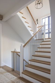 #staircaseideas #staircase #staircaserailings Country Estate, Traditional Staircase, Modern Staircase, French Country Decorating, Country Decor, Modern Mansion, Small House Plans, Country House Decor, Modern English