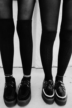 knee socks and creepers love