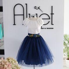 falda carrie tul corta azul oscuro hecha a medida