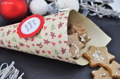Zimt is in the air, ach wie schön es weihnachtlich duftet... Zutaten für ca. 50 Stück 300 g Mehl 1 TL Backpulver 3 TL gemahlener Zimt 100 g Zucker 1 Pck. Vanillezucker 50 g Schlagsahne 150 g weiche...