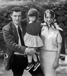 Ted Hughes, daughter and Assia Wevill, his mistress while still married to Plarh. It is tragic to think that both child and mistress die by suicide, in the same manner of Plarh, a gas oven. Nicholas Hughes, Silvia Plath, Anne Sexton, Philosophy Quotes, Famous Couples, Great Friends, Poetry Quotes, Mistress, The Dreamers