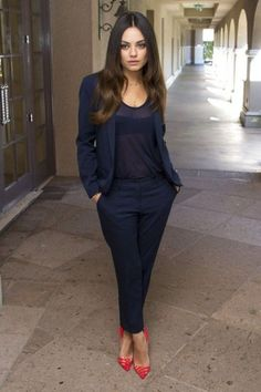 Mila can do no wrong... 35 Fashionable Work Outfits For Women To Score A Raise | Styleoholic