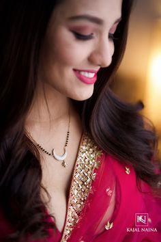 Mangalsutra Simple, Modern Mangalsutra Designs, Diamond Mangalsutra, Gold Jewelry Simple, Stylish Jewelry, Fine Jewelry, Gold Earrings Designs, Gold Jewellery Design, Fancy Wedding Dresses