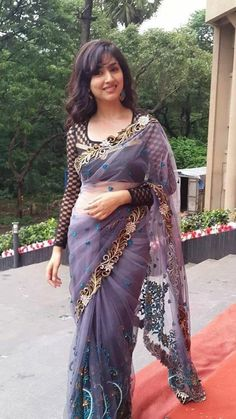 We share 51 beautiful Indian women in saree looking gorgeous and hot. These are the beautiful actress and indian models who looking so stunning in Saree. Beautiful Girl Photo, Beautiful Girl Indian, Most Beautiful Indian Actress, Beautiful Saree, Beauty Full Girl, Beauty Women, Moda Indiana, Indian Girls Images, Saree Models