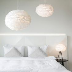 Eos draws its force and mesmerizing beauty from the earth tones of the Nordic landscape. Made from all natural goose feathers, these unique lampshades give a soft, warm light and add a sophisticated and elegant touch to any interior décor. Decor, Feather Light Shade, White Pendant, Lamp, Pendant Lamp, Feather Lamp, Pendant Light, Home Decor, Bedroom Lamps