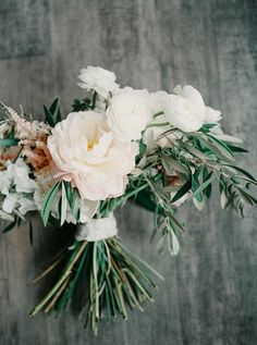 Floral Design: Munster Rose - http://munsterrose.com Photography: Geneoh - http://www.stylemepretty.com/portfolio/geneoh   Read More on SMP: http://www.stylemepretty.com/2015/08/25/romantic-industrial-minneapolis-wedding-with-swedish-traditions/