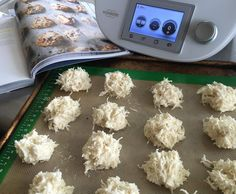 Recipe Pete Evans Paleo Coconut Macaroons by The Happy Kitchen – Recipe of category Baking – sweet Source by zbavill Paleo Coconut Macaroons, Coconut Recipes, Raw Food Recipes, Sweet Recipes, Pete Evans Paleo, Low Carb Cupcakes, Happy Kitchen, Allergy Free Recipes, How To Eat Paleo