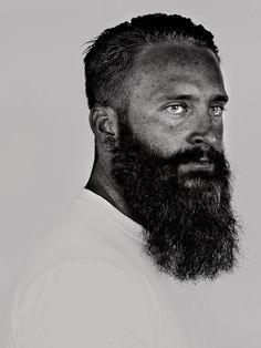 I met Aaron here, on the crossing by my local café..  Awesome Ned Kelly beard and he's sat and watched me grade his image, whilst drinking all my beer..  He's a good lad, as he's still here, as I type this..  Enjoy.