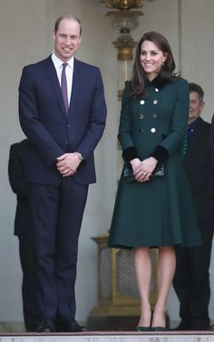 Kate Middleton Photos Photos - Prince William, Duke of Cambridge and Catherine, Duchess of Cambridge depart from Elysee Palace after meeting French President Francois Hollande during an official two-day visit to Paris on March 17, 2017 in Paris, France. - The Duke And Duchess Of Cambridge Visit Paris: Day One