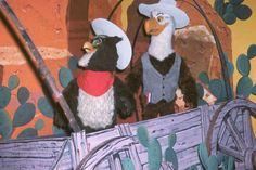 America Sings - Sam and Ollie in the Old West! Disneyland History, Vintage Disneyland, Old Disney, Disney Fun, Disneyland Tomorrowland, America Sings, Disney Rides, Disney Facts, Old West