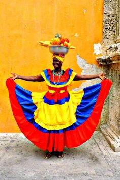 Things to do in Cartagena Colourful Cartagena – Essential guide of what to do in the UNESCO World Heritage site walled city! Colombian Culture, Costumes Around The World, Colombia Travel, Equador, Thinking Day, Havana Cuba, People Of The World, Historical Clothing, World Cultures